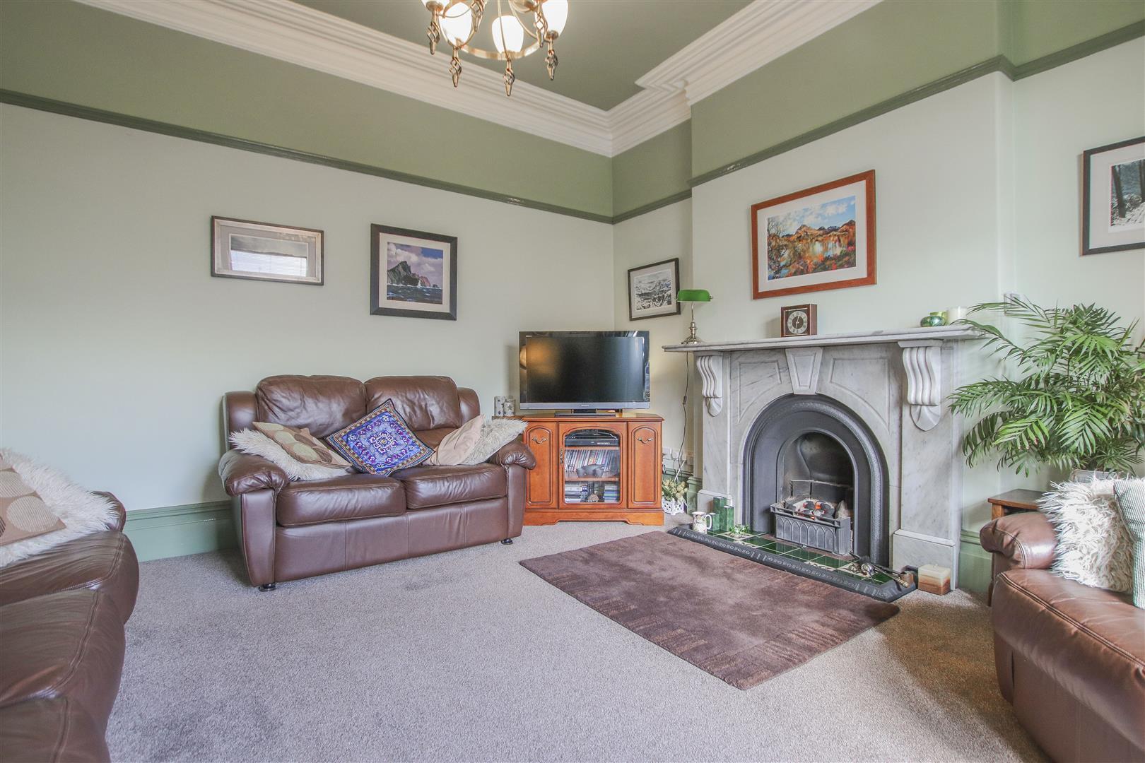 3 Bedroom Mid Terrace House For Sale - 15.JPG